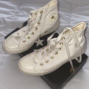 Tan High top Converse